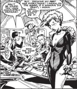 Halo nella sua divisa da hostess sulla Clara Pandy