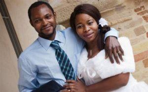 La fine dell'Europa comincia da Fermo: Emmanuel Chidi Namdi e la compagna il giorno delle nozze (Il Resto del Carlino)