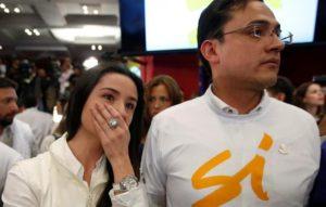 Pace in Colombia: i sostenitori del SÌ dopo il voto (foto: La Stampa)